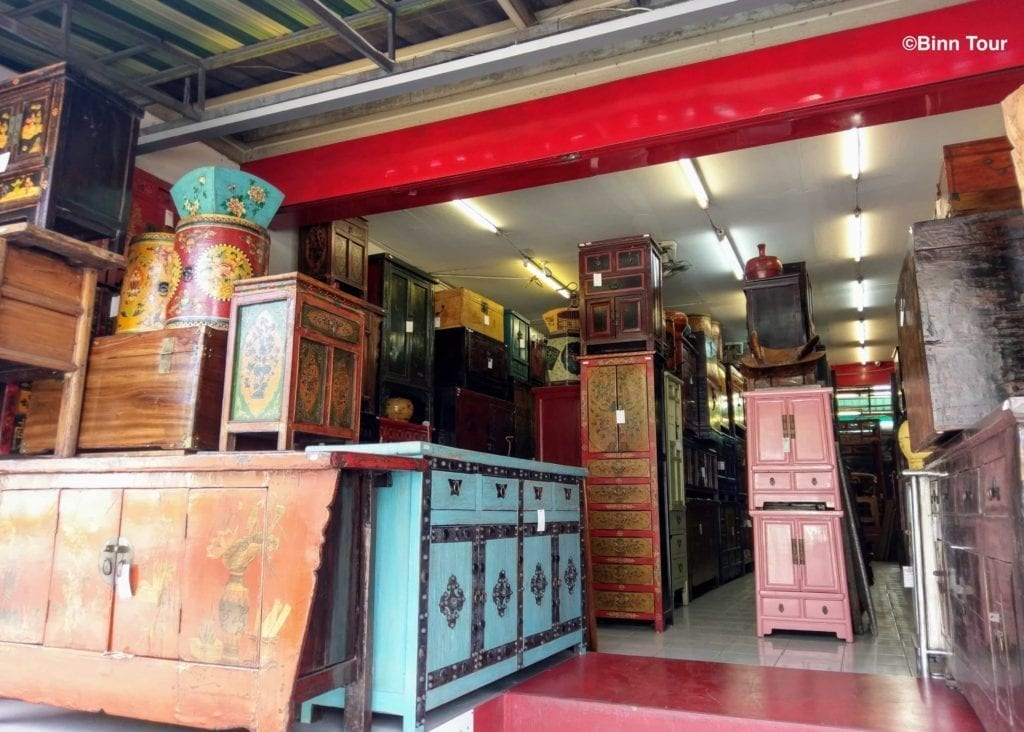 furniture and antiquity shop at Chatuchak Market