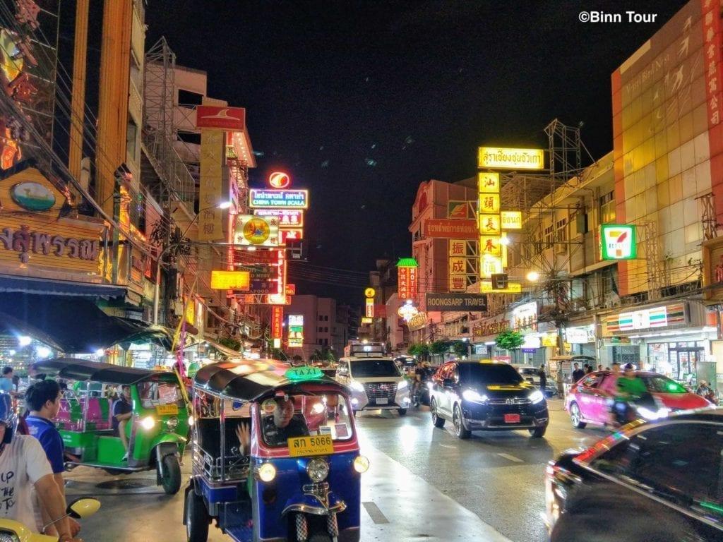 Das Chinesenviertel am Abend - eine der besten Sehenswürdigkeiten in Bangkok