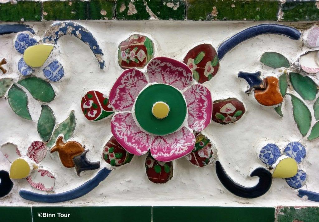 Porzellan-Dekoration im Tempel der Morgenröte (Wat Arun)
